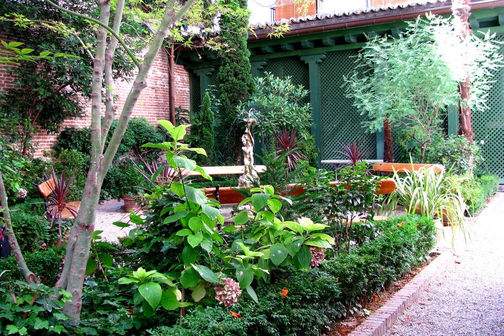 El perfecto caf del jard n del museo del romanticismo for Cafe el jardin madrid