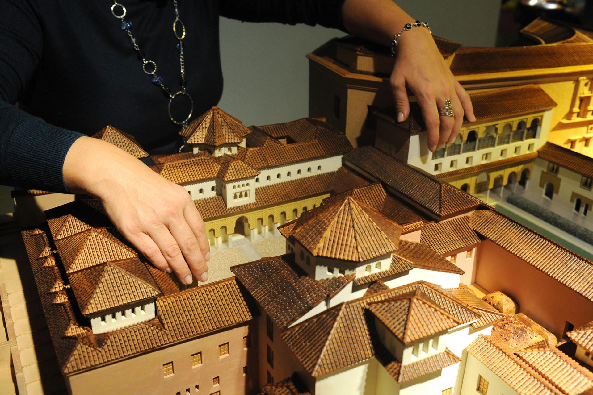 Museo Tiflológico de la ONCE, prohibido no tocar las maquetas