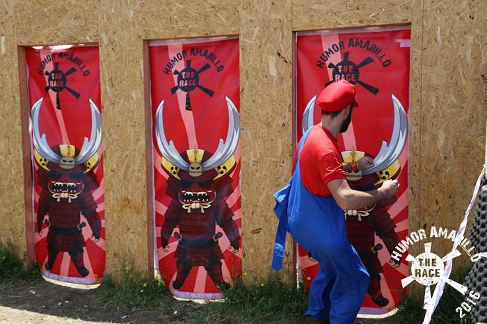 Humor Amarillo The Race